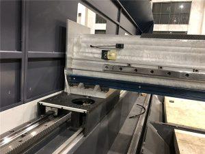 Küçük boyutlu hassas fiber lazer kesim makinesi otomatik konumlandırma 800 watt